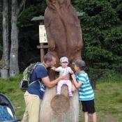Rozcestí Ručičky - nová socha medvěda - bála jsem se ho
