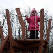 na dětském hřišti